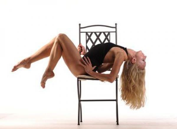 Эротический танец в мужском спа салоне ЧИЛИ